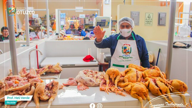 Entrega de Indumentaria a Comerciantes del Mercado Municipal de Otuzco