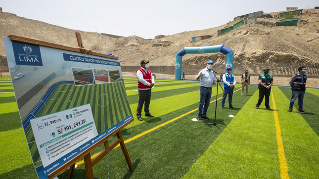 3,000 vecinos beneficiados: MML entrega campo sintético y pista atlética en centro deportivo de Manchay