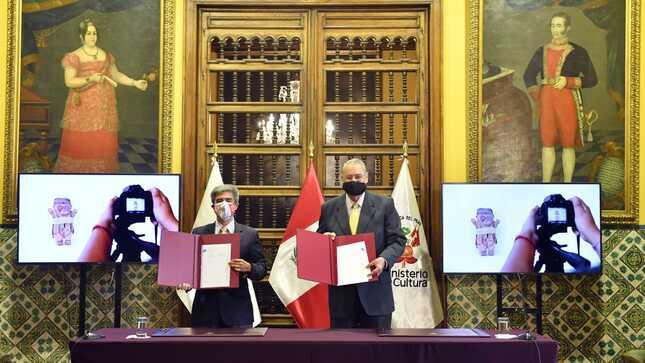El Ministerio de Relaciones Exteriores entrega bienes pertenecientes al Patrimonio Cultural de la Nación al Ministerio de Cultura