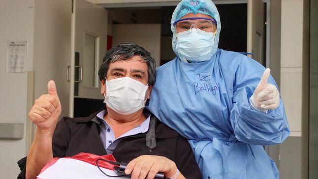 Médico Neonatólogo venció a la COVID-19 y fue dado de alta del Hospital Emergencia Ate Vitarte