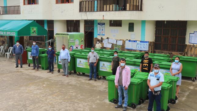 Municipio jepelacino adquiere motos furgonetas y contenedores para el recojo de basura