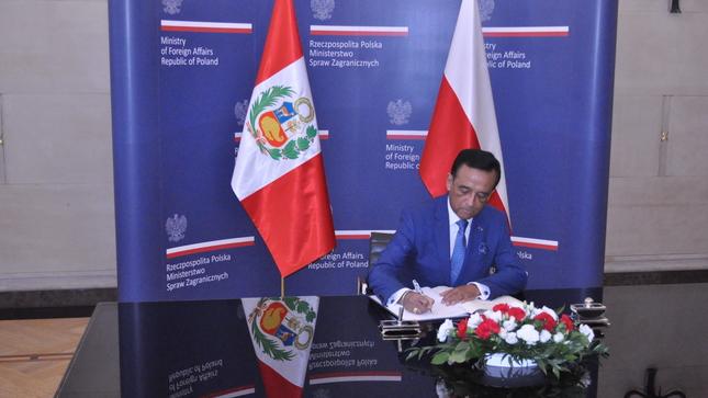 Nota informativa Nº 25-2021  El Perú suscribe el Protocolo Adicional Número 3 modificatorio de la Convención de Varsovia sobre Transporte Aé