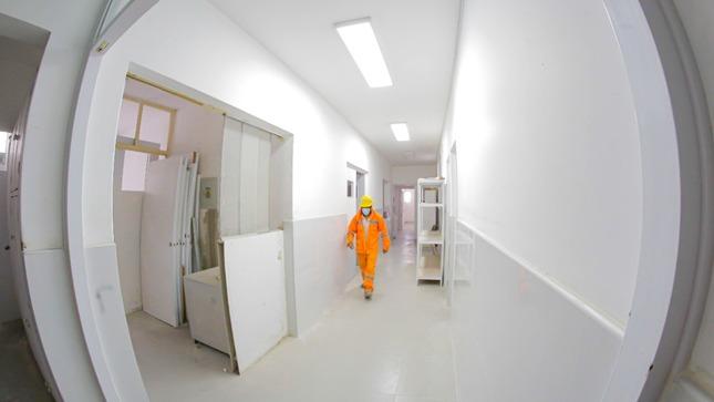 Gobierno regional realiza trabajos de mantenimiento en el centro de salud Ampliación Paucarpata
