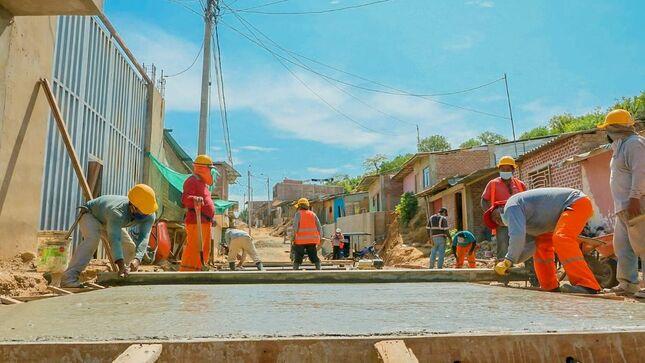 Avanzamos con proyecto de pistas y veredas en barrio La Unidad