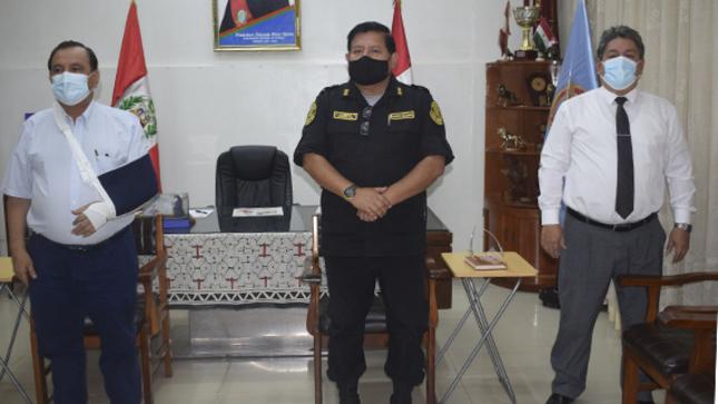 Nuevo Jefe Policial presentó saludo protocolar a gobernador de Ucayali