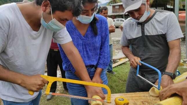 ¡Hoy inició la capacitación en artesanía y construcción con caña de bambú!
