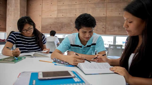 14 000 becas para estudiantes de educación superior de escasos recursos