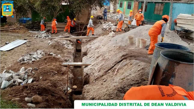El LIic. Quim. Richard Ale Cruz, Alcalde de la Municipalidad Distrital de Dean Valdivia