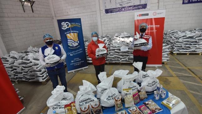 Ministra Silvana Vargas supervisó entrega de 33 toneladas de alimentos destinados a 5355 personas vulnerables de Villa El Salvador