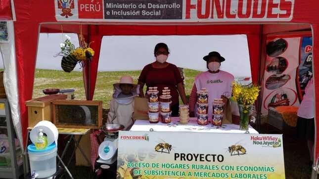 Huancavelica: familias usuarias muestran resultados de sus emprendimientos en Cuenca