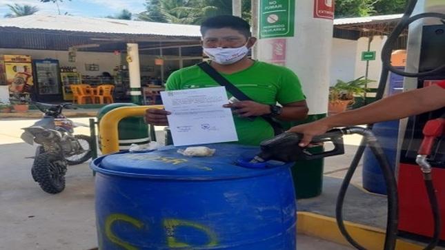 Consistente en combustible.  CASERÍO SHUCSHUYACU RECIBE IMPORTANTE APOYO DE LA MUNICIPALIDAD PROVINCIAL DE EL DORADO