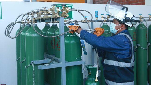 Minsa suministró más de 121 toneladas por día de oxígeno medicinal a hospitales de todo el Perú