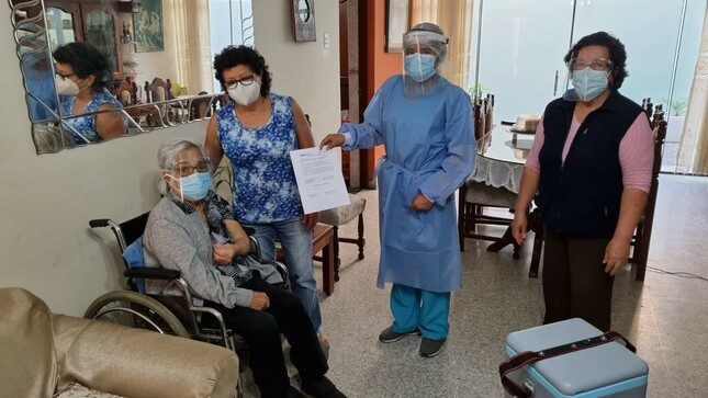 5 vacunamóviles se desplazarán en el distrito de Trujillo para vacunar a adultos mayores con alguna discapacidad