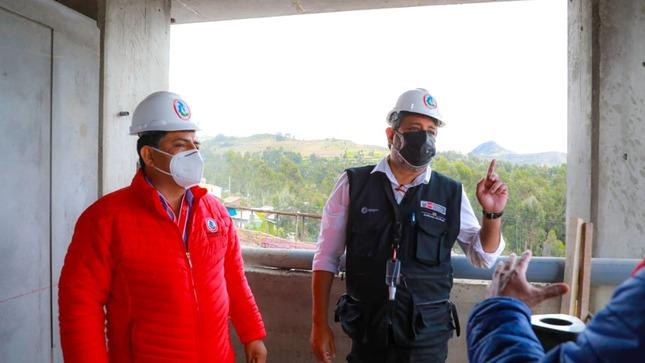 Inspeccionan construcción de la nueva infraestructura del Colegio Bicentenario General Córdova