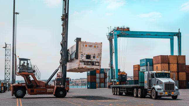 Movimiento de carga en puertos de uso público del país se incrementó en 15.6% durante el mes de marzo