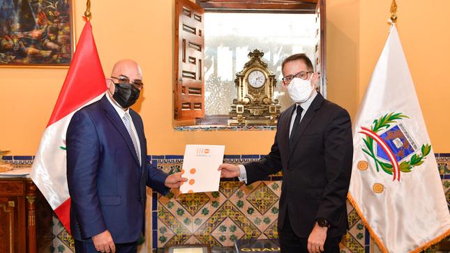Viceministro Ignacio Higueras recibe Carta Credencial del nuevo representante del UNFPA en el Perú