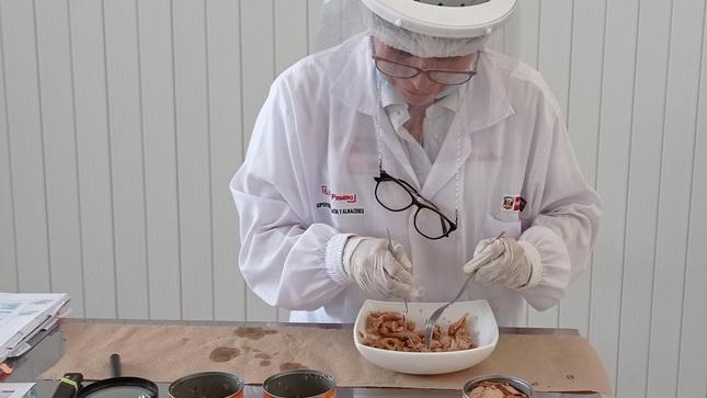 Qali Warma entregó 42.5 toneladas de conserva de pescado para preparación de desayunos escolares en Tacna