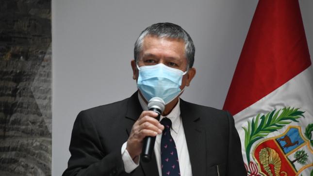 Víctor Manuel Díaz Yosa asume funciones como presidente del Ingemmet