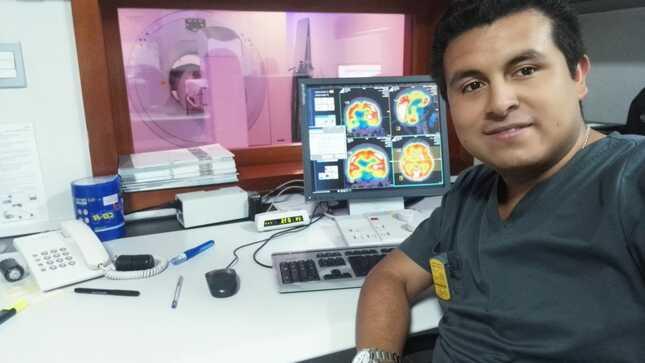 Nilser, el ayacuchano que estudia en Francia para mejorar diagnóstico de pacientes peruanos