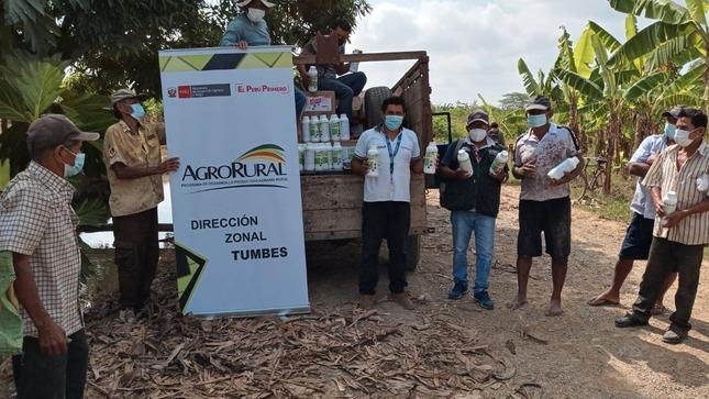 Tumbes: Agro Rural atiende distritos afectados por lluvias intensas con entrega de 630 kits de abono foliar