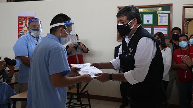 Ministro Cuenca presenta nuevo modelo educativo para reclusos