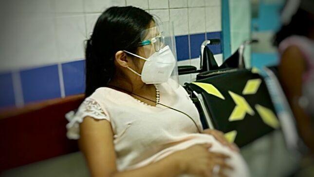 Minsa: Gestantes deben extremar las medidas sanitarias para evitar contagios por COVID-19