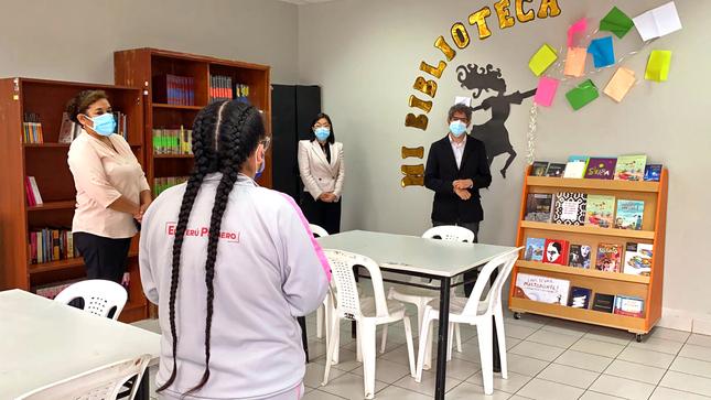 PRONACEJ recibe donación de libros y mobiliario para bibliotecas de centros juveniles