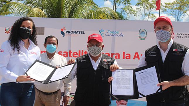 Ucayali: firman convenio para dotar de internet satelital gratuita a comunidades alejadas de la región amazónica