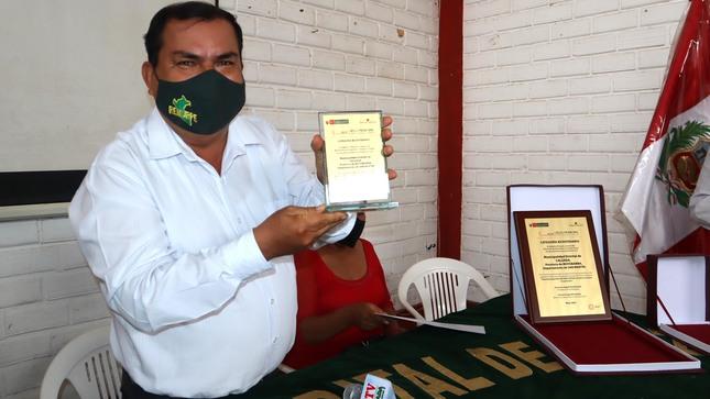 """Municipalidad Distrital de Calzada,  recibe reconocimiento """"SELLO MUNICIPAL""""."""