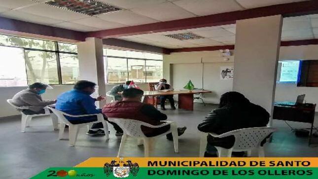 Reunión con el encargado de la UGEL 15 de Huarochirí y los Directores de los Centros Educativos