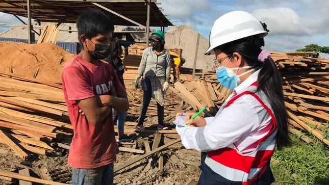 SUNAFIL fiscaliza aserraderos de Coronel Portillo para que trabajadores laboren de manera formal y sin riesgos