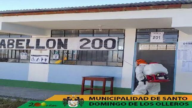 Se realizo la Fumigacion en los Centros de Votacion del Distrito.
