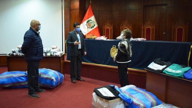 Centro Juvenil de Diagnóstico y Rehabilitación de Lima recibe donación de ropa de parte de la Junta de Fiscales de Lima Norte
