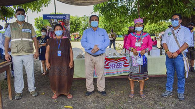 Comunidades nativas de Coronel Portillo se organizan junto al gobierno regional para salvaguardar sus bosques comunales.