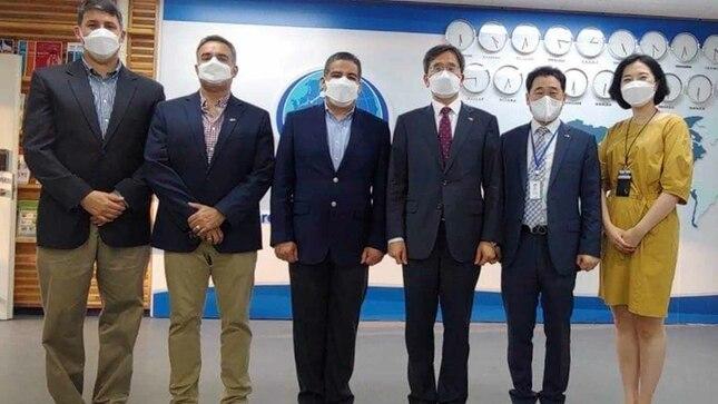 Autoridades navales peruanas visitan APEC-SEN en Corea del Sur