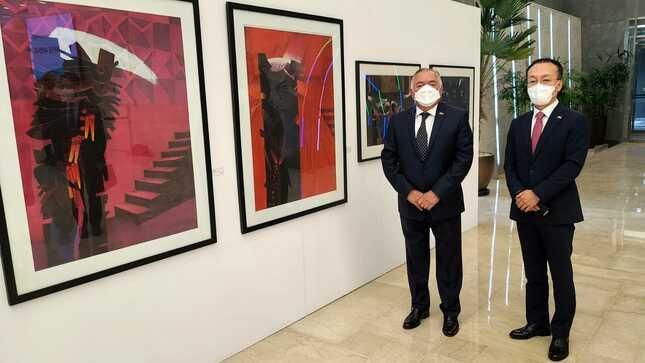 """Exhibición de Fernando de Szyszlo """"Elogio de la Sombra"""""""