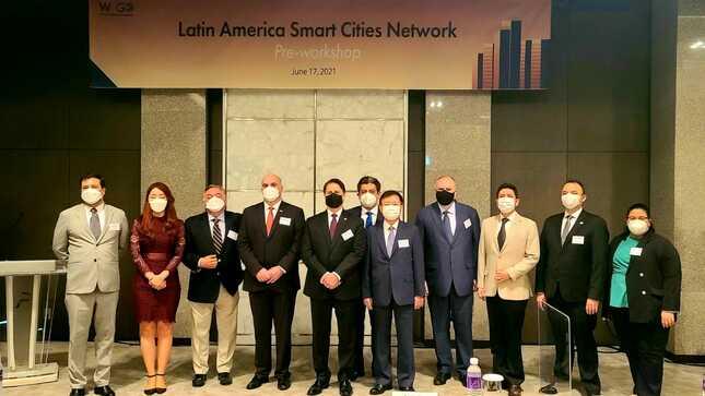 Participación en foro sobre Ciudades Inteligentes en Corea