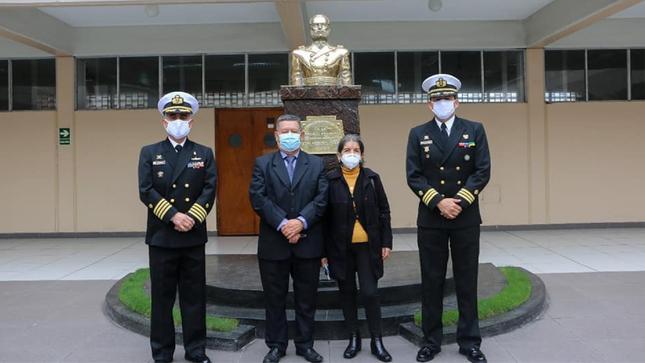 ENAMM rinde homenaje a ex servidor público que cumplió 48 años al servicio de este centro superior de estudios