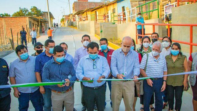 Mejor calidad de vida para nuestros vecinos de Barrio La Unidad, gracias a obra de pistas y veredas