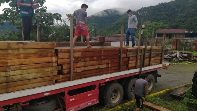 SERFOR decomisa más de 4 mil pies tablares de madera en  la zona de selva de Puno