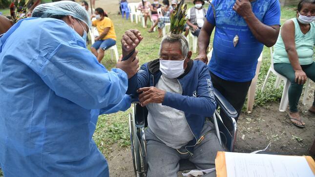 Brigadas de vacunación contra la COVID-19 llegan a Comunidad Nativa Amarakaeri