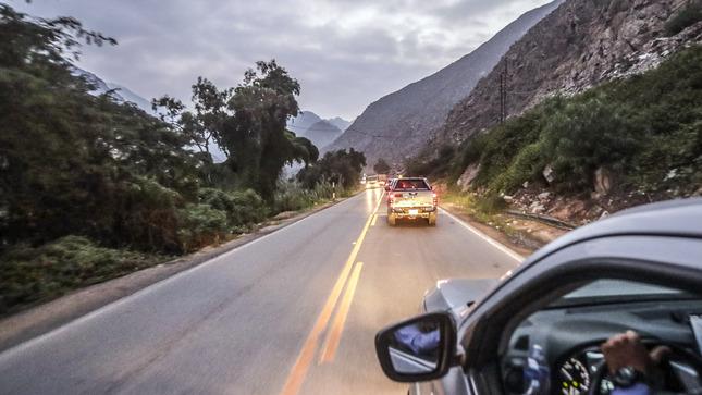 Sepa cómo actuar ante un sismo si está manejando por la carretera