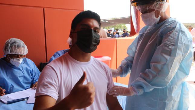 Aspirantes y Cadetes Náuticos reciben segunda dosis de la vacuna contra la Covid-19