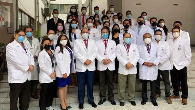 Se gradúan veintitrés médicos residentes en el INMP