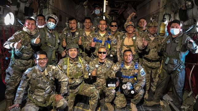 Entrenamiento conjunto de las escuelas de Comandos de las Fuerzas Armadas