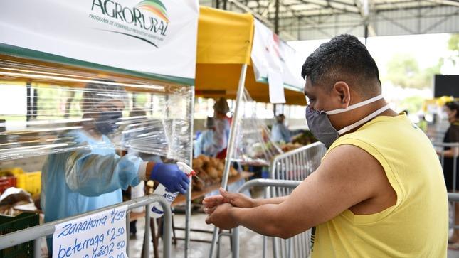 """Más de 5 mil toneladas de alimentos de la agricultura familiar se comercializan en los mercados MIDAGRI """"De La Chacra A La Olla 2021"""""""