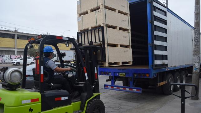 Ministerio de Salud abastece con equipos de cadena de frío a regiones