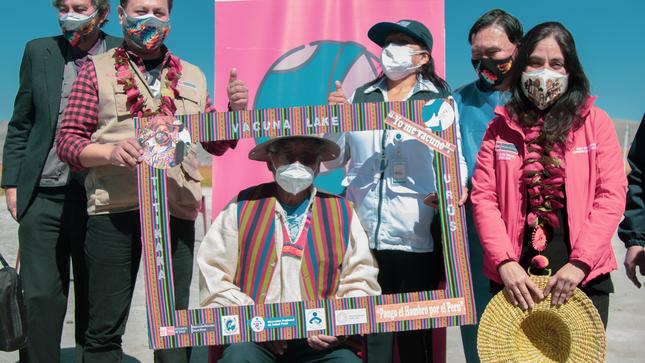 Ministerio de Cultura participa del inicio de proceso de vacunación contra la COVID-19 al pueblo Uro en islas flotantes del Lago Titicaca
