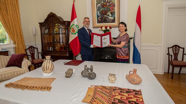 Países Bajos entrega al Perú piezas del Patrimonio Cultural de la Nación