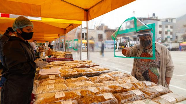 """Más de 416 mil soles de ingresos generados por productores de legumbres en  los Mercados MIDADRI """"De La Chacra A La Olla"""" 2021"""